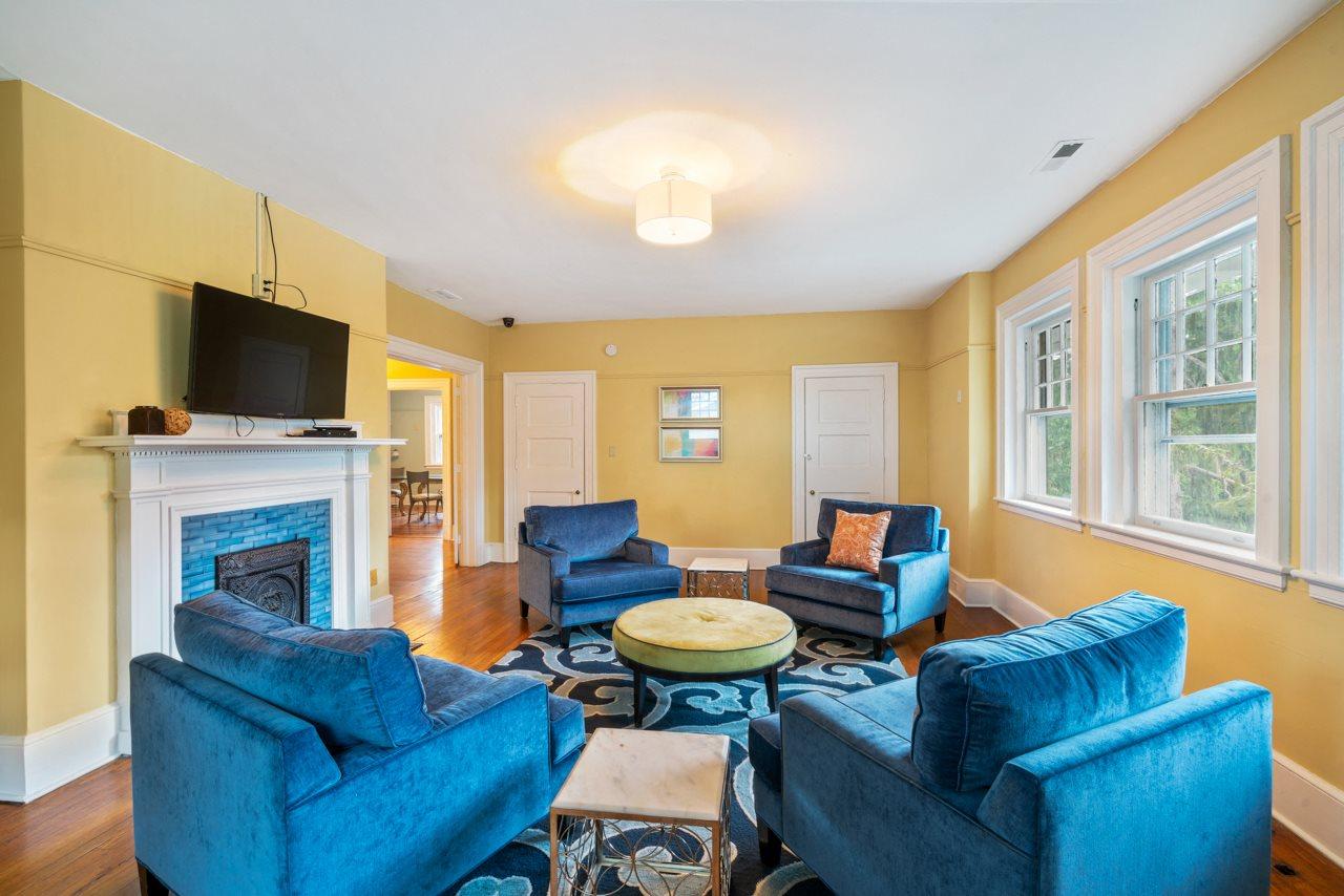 Resident Lounge at Hawthorne Northside in North Carolina 28804