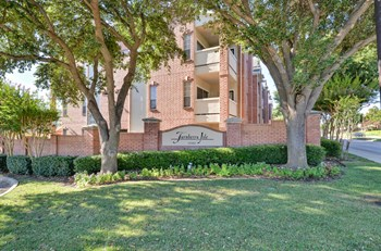 15190 Prestonwood Boulevard 1-3 Beds Apartment for Rent Photo Gallery 1