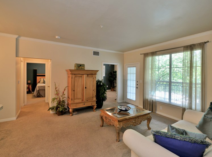 Spacious living areas in 1, 2 or 3 bedroom apartments at Greysons Gate in North Dallas, TX. For Rent.