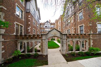 901-927 Wesley Ave. Studio-2 Beds Apartment for Rent Photo Gallery 1
