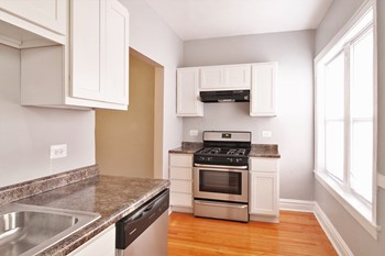 638-642 Harrison St Studio-2 Beds Apartment for Rent Photo Gallery 1