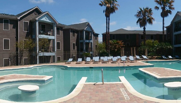 riverside austin apartments with pool