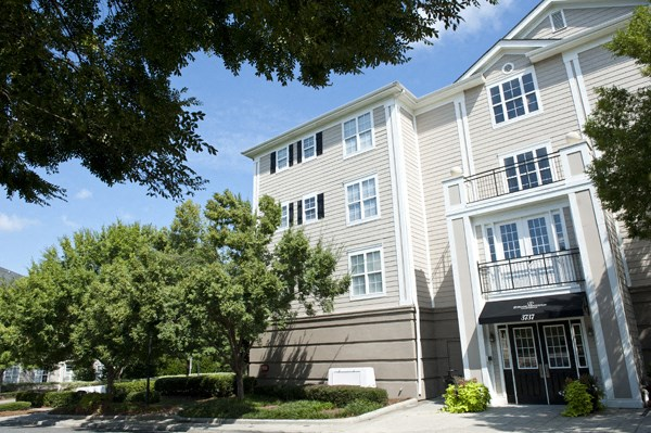1 bedroom, 2 bedroom, 3 bedroom, apartments, rentals, charlotte, nearby uptown charlotte, midrise,