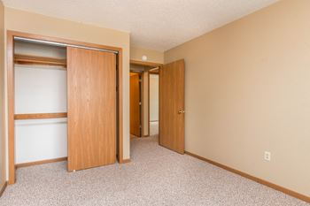 2225 9th St 2-30 Beds Apartment for Rent Photo Gallery 1