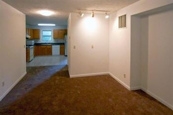 624 West 17th Street 3 Beds Apartment for Rent Photo Gallery 1