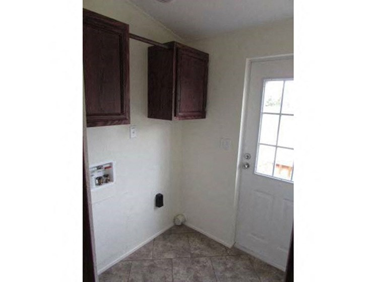 Washer and Dryer Plug-In Available at Valley Ridge Rental Home Community in San Antonio, TX