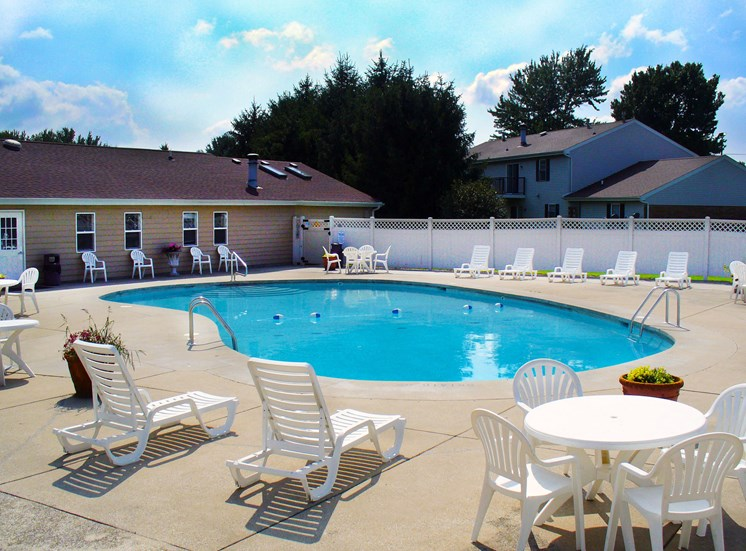 Maple Lane Apartments Pool