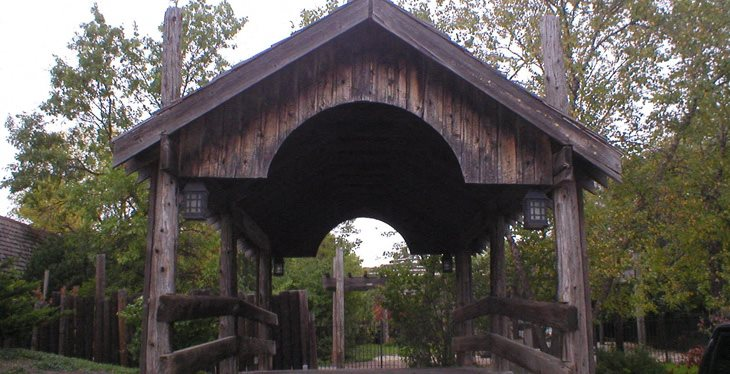 DuPage Covered Bridges Apartments homepagegallery 1