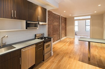 515 West 47Th Street 2 Beds Apartment for Rent Photo Gallery 1