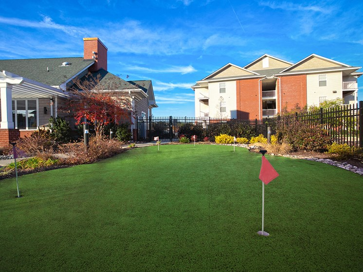 putting green space near petersburg virginia