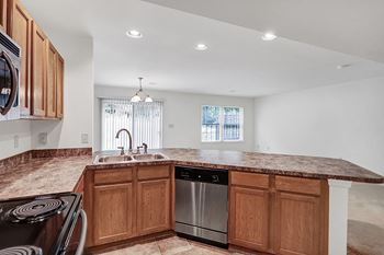Glenbrook Drive 2-3 Beds Apartment for Rent Photo Gallery 1