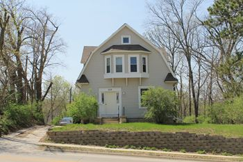 259 Hyland 7 Beds House for Rent Photo Gallery 1