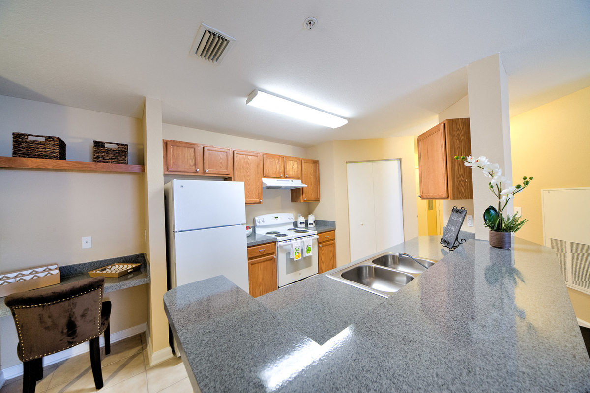 Thomas Chase Apartments Dining Room & Kitchen