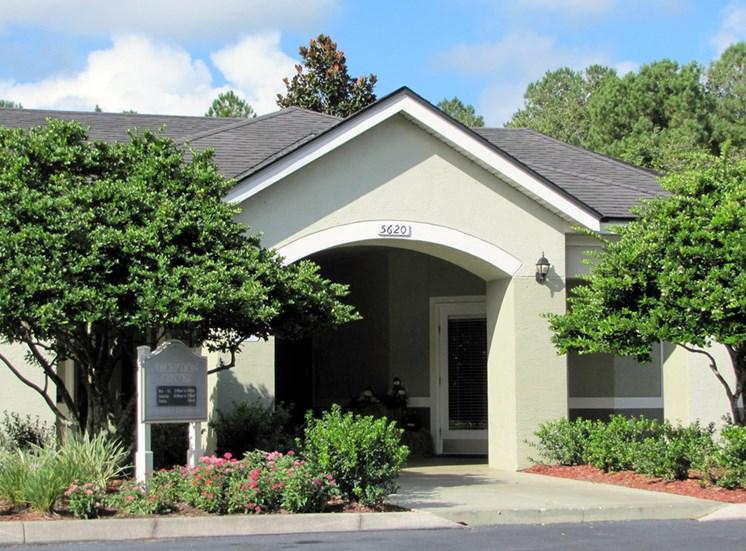 Courtney Manor Entrance