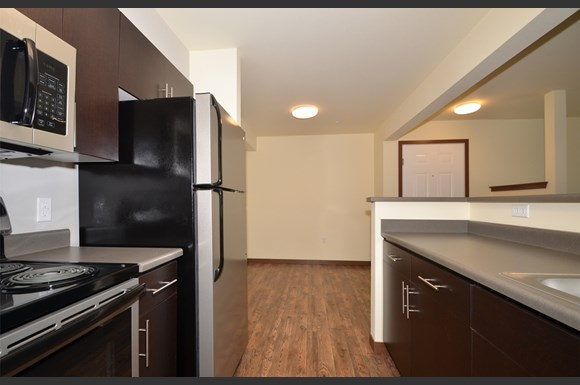 The district apartments 17716 bothell everett hwy bothell wa rentcaf for Cheap 1 bedroom apartments in everett wa
