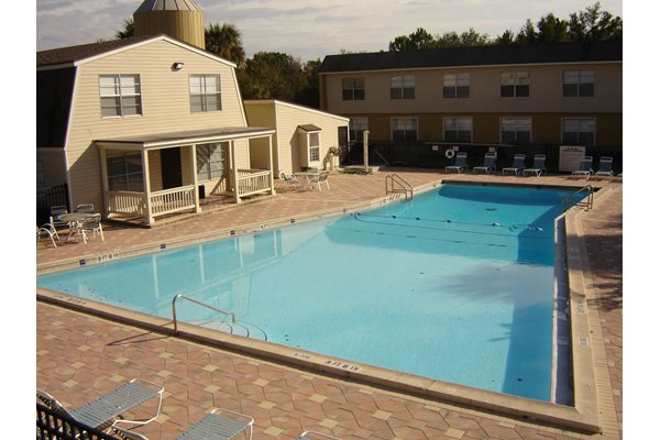 The Plaza Apartments Sparkling Swimming Pool