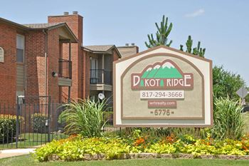6776 Westcreek Drive 1-2 Beds Apartment for Rent Photo Gallery 1