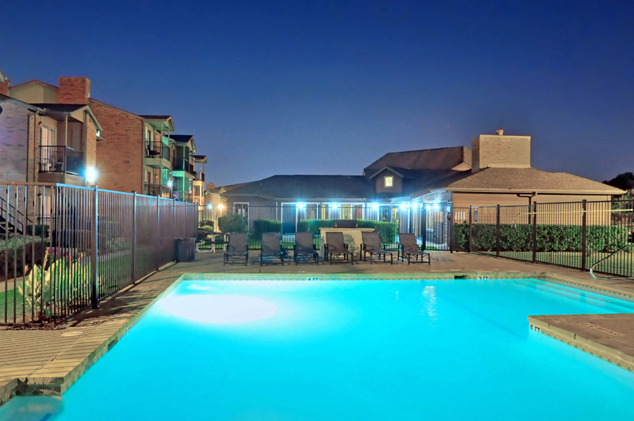 Dakota Ridge Apartments Pool at Night