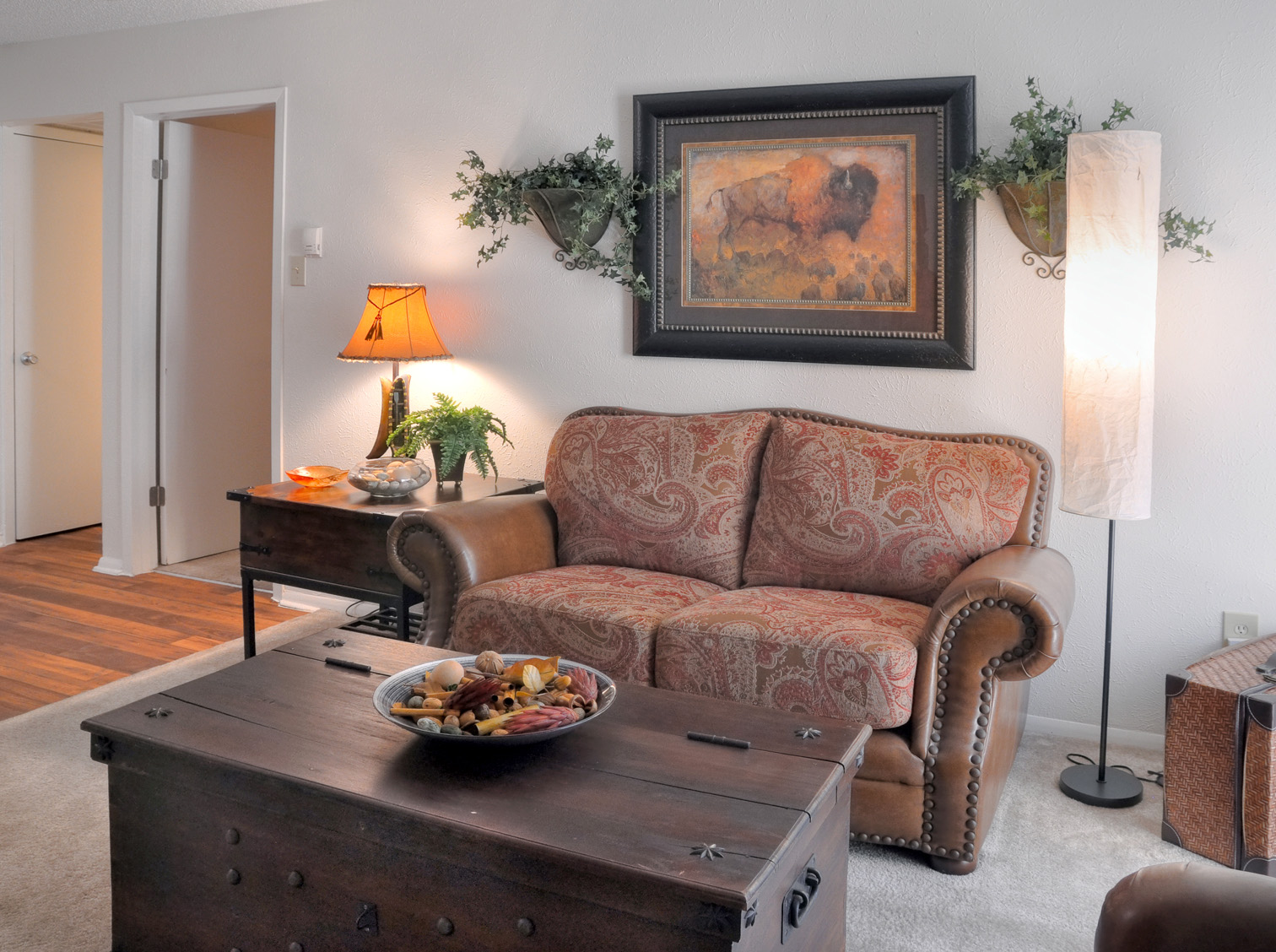 Living Room | Apartment Homes in Dallas, TX | Deerfield Apartments