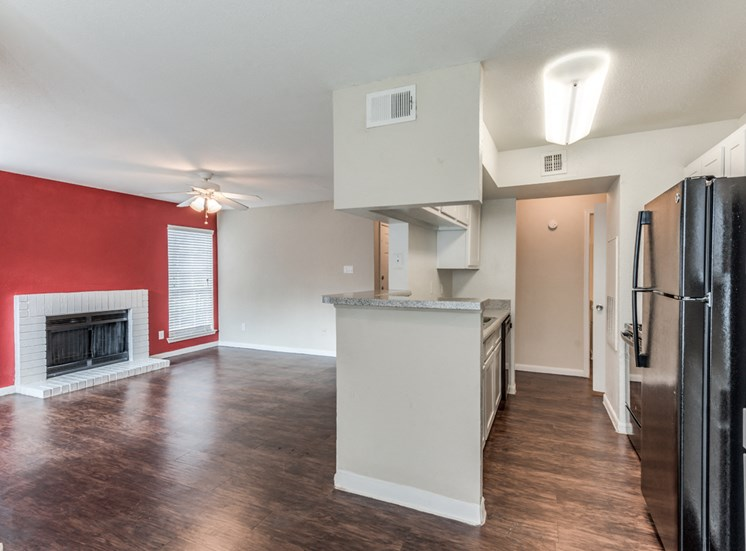 Parque at Bellaire Open Kitchen and Living Room