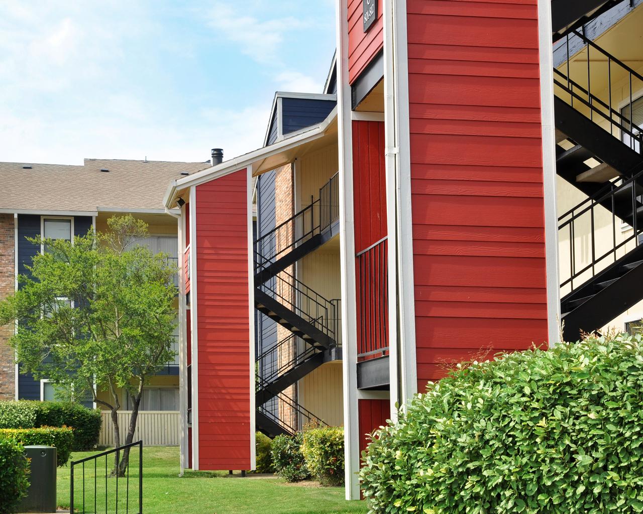 Snug Harbor Apartments 9590 Forest Lane Dallas Tx