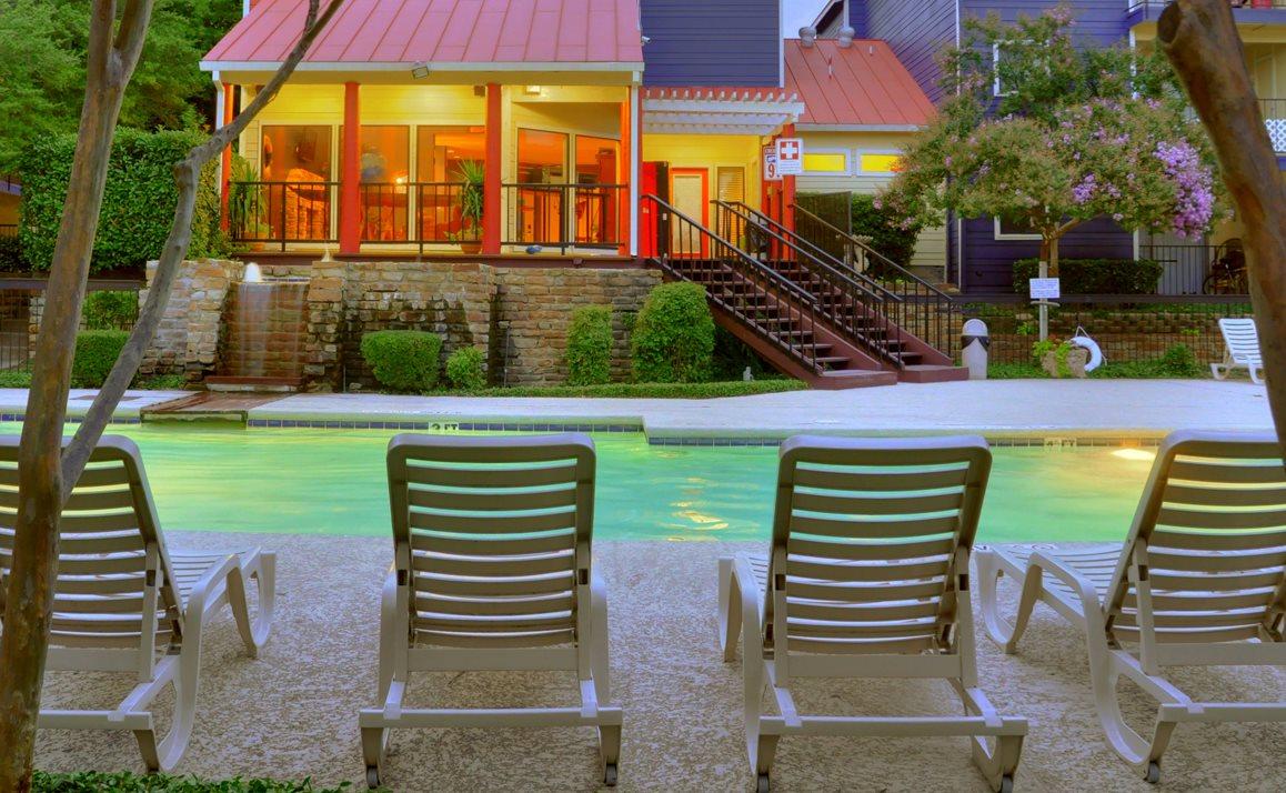 Dallas TX Apartment Rentals | Snug Harbor Apartments