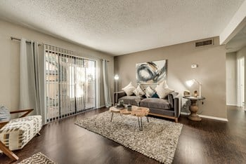 320 East Wintergreen Road 1-2 Beds Apartment for Rent Photo Gallery 1