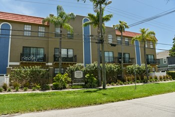 208-210 South Habana Ave. 2 Beds Apartment for Rent Photo Gallery 1