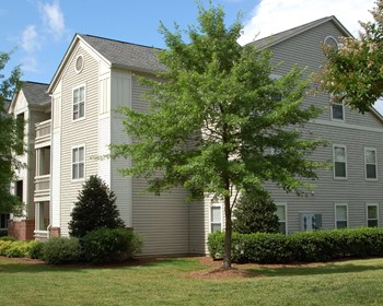 1749 Dobbins Drive Suite 1B 1 Bed Apartment for Rent Photo Gallery 1