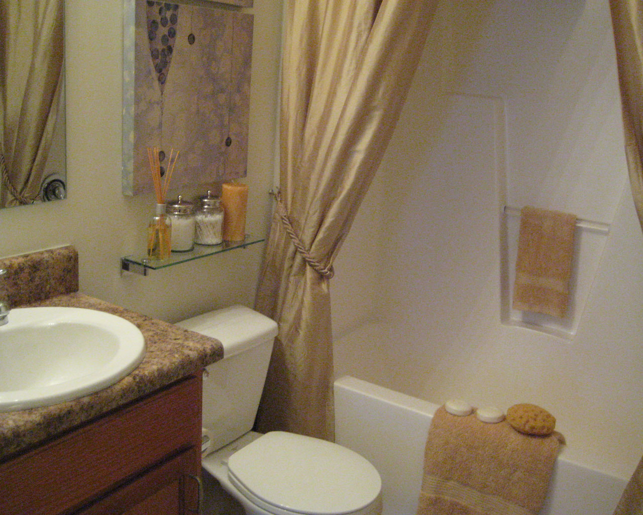 Mill Pond Apartments Bathroom