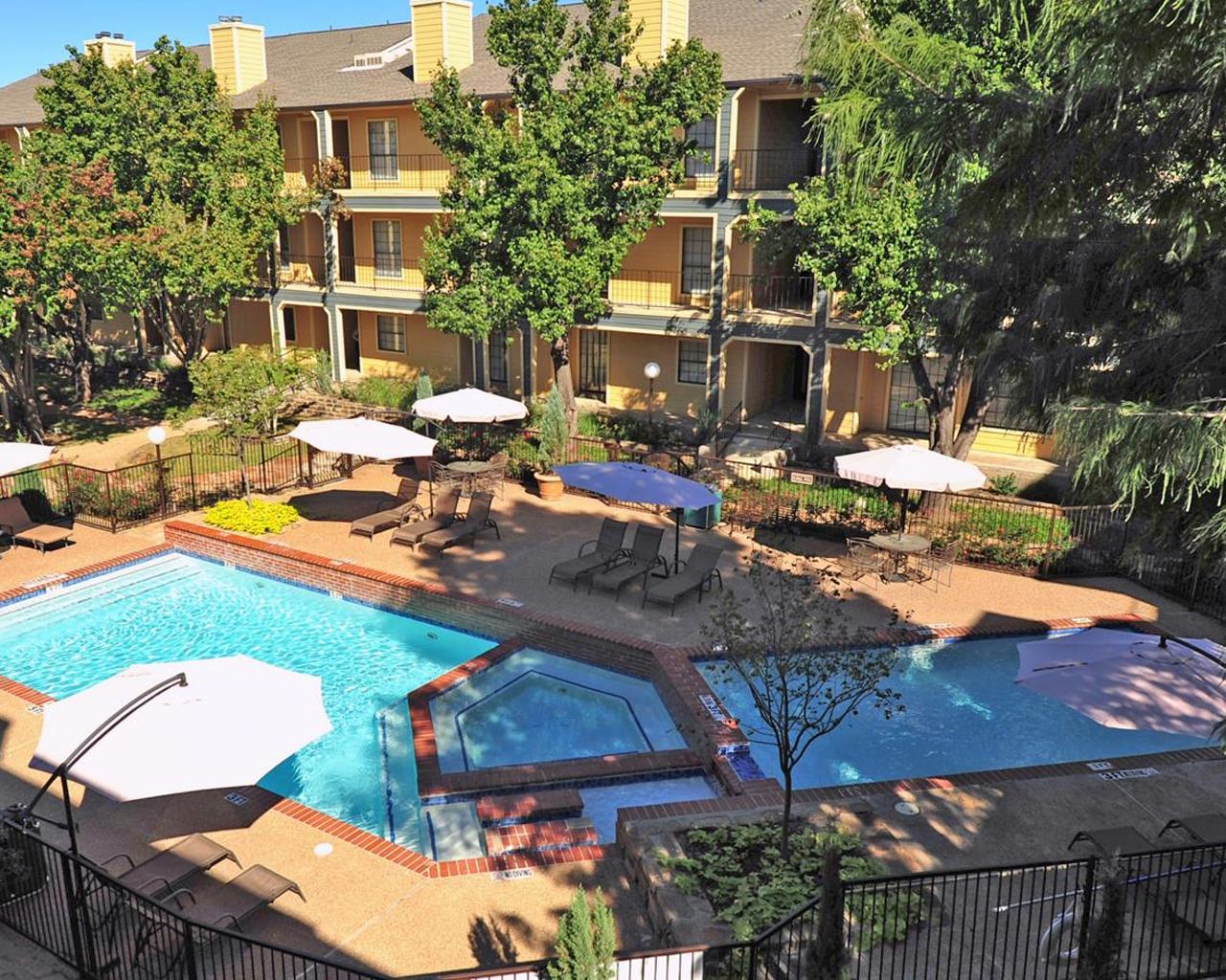 Forest Hills sparkling pool