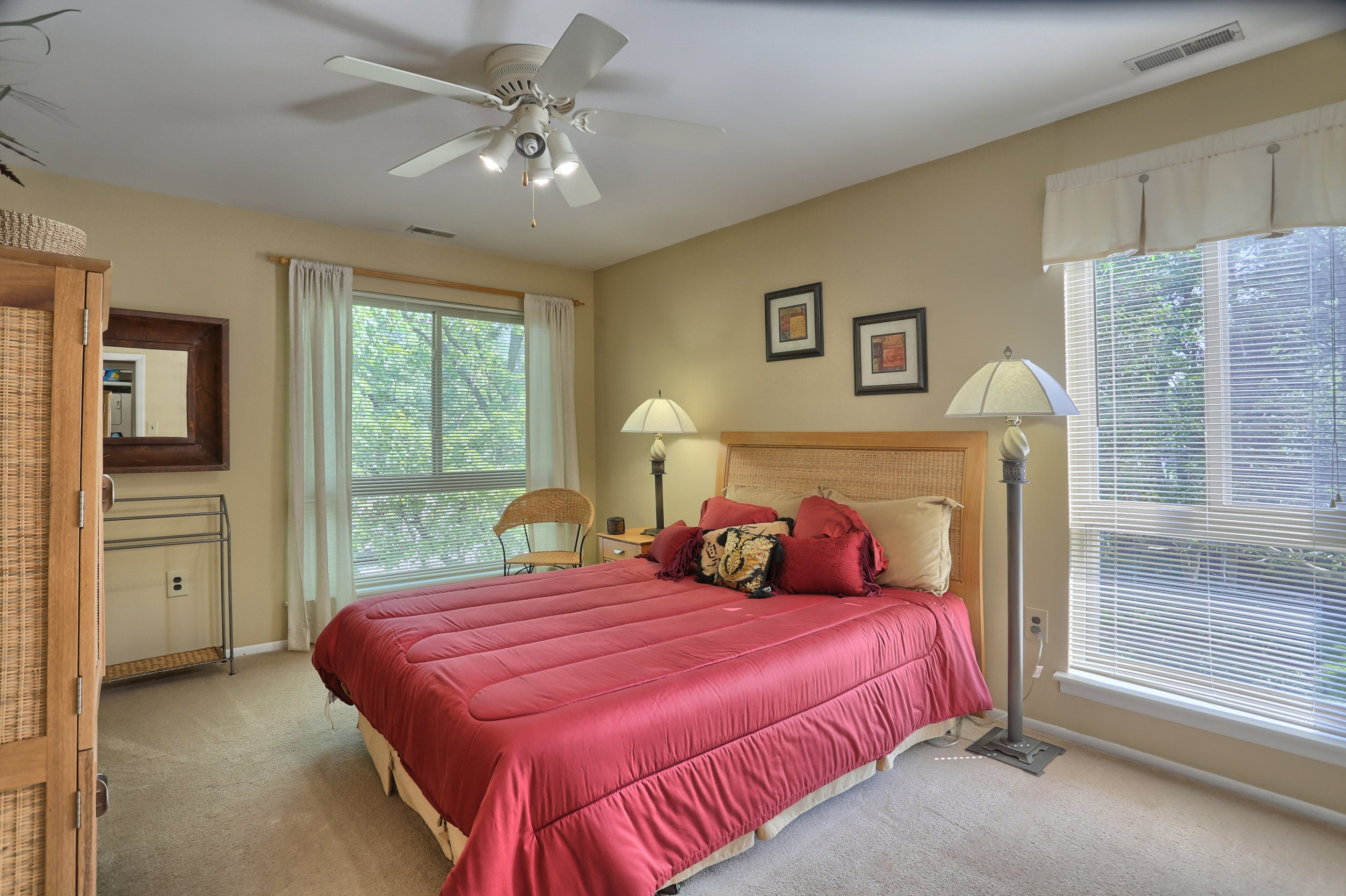 Photos And Video Of Treeview Apartments In Harrisburg Pa