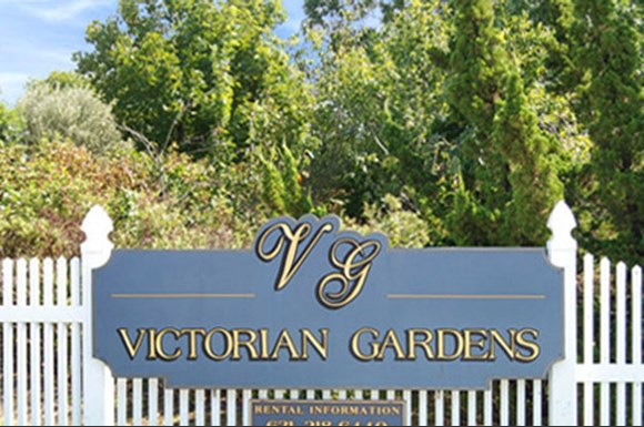 Victorian Gardens, LLC Apartments, 2 Victorian Court, Holtsville, NY ...