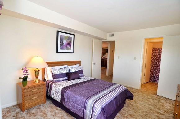 Crystal Lake Apartments 5535 E Virginia Beach Blvd Norfolk Va Rentcaf
