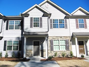 6185 Neuse Wood Drive 3 Beds House for Rent Photo Gallery 1
