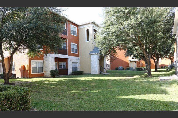 Arium Crossroads Apartments Houston
