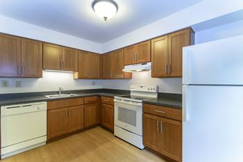 913 South Severgn Drive 1-2 Beds Apartment for Rent Photo Gallery 1