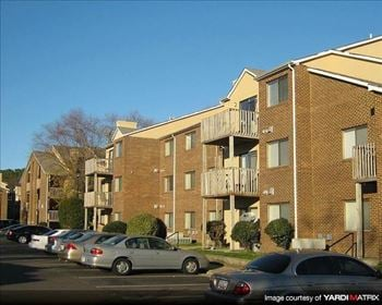 8 Hampton Harbor Avenue,  #A 2 Beds Apartment for Rent Photo Gallery 1
