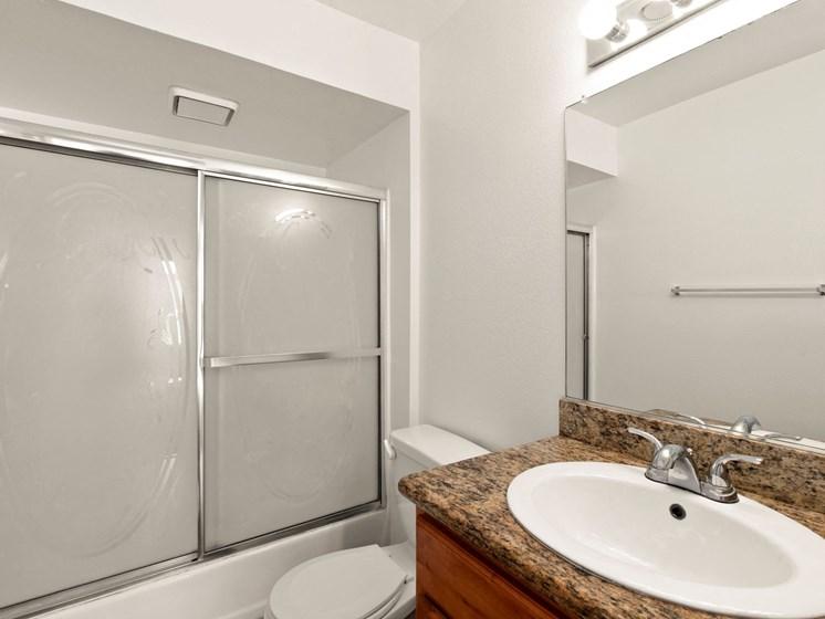 Apartments in North Hollywood, CA - Woodland Trio shower bathroo