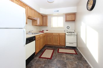469 Glen Mar Rd 1-2 Beds Apartment for Rent Photo Gallery 1