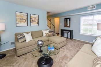 4 Montgomery Dr 1-2 Beds Apartment for Rent Photo Gallery 1