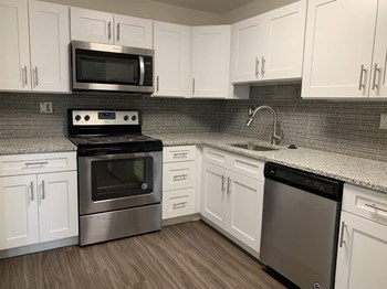 2803 Stanbridge St 1-2 Beds Apartment for Rent Photo Gallery 1