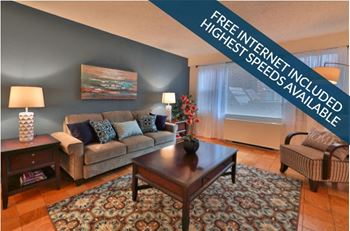 500 W. University Pkwy Studio-4 Beds Apartment for Rent Photo Gallery 1