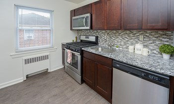 1000 Central Ave 3 Beds Apartment for Rent Photo Gallery 1