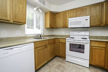 105 E. Ridgewood Ave 2 Beds Apartment for Rent Photo Gallery 1