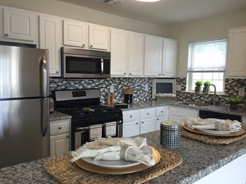 175 Daphne Dr 1-2 Beds Apartment for Rent Photo Gallery 1