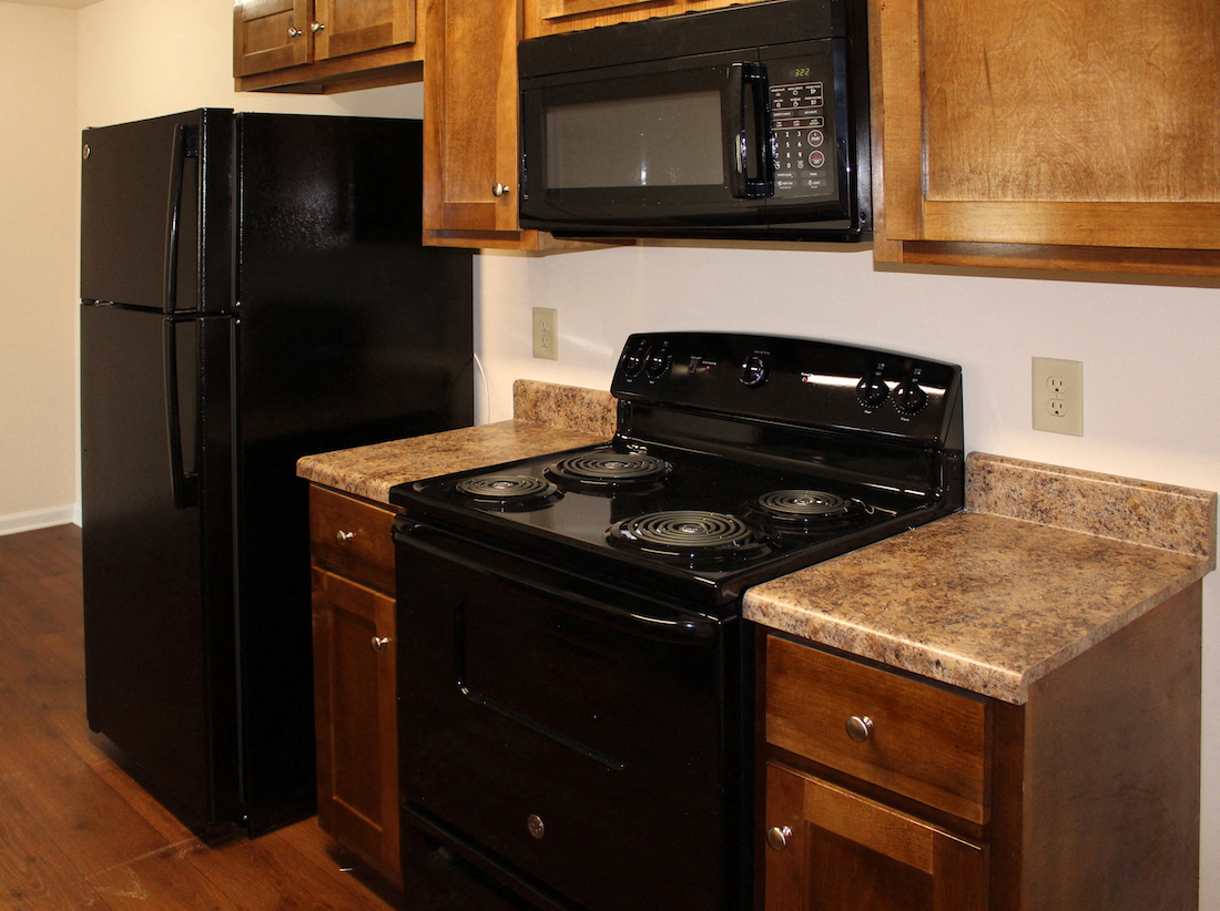 Southbrook Apartments Forestdale Birmingham AL 35214 Apartment Building efficient appliances in kitchen