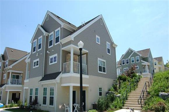 221 Linville Drive 2 3 Beds Apartment For Rent Photo Gallery 1