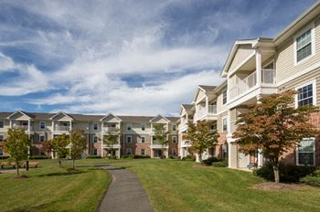 725 Denow Road 1 Bed Apartment for Rent Photo Gallery 1