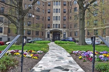 1100 Pennsylvania Avenue 1-2 Beds Apartment for Rent Photo Gallery 1